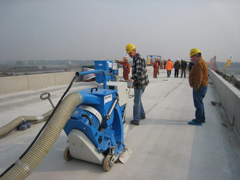 Dust management in the floor industry