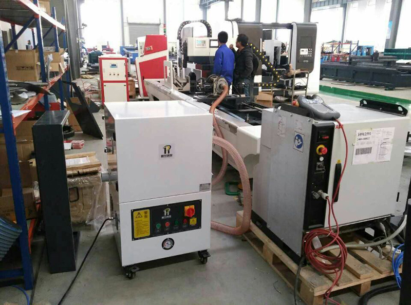 For laser cutting of round tubes